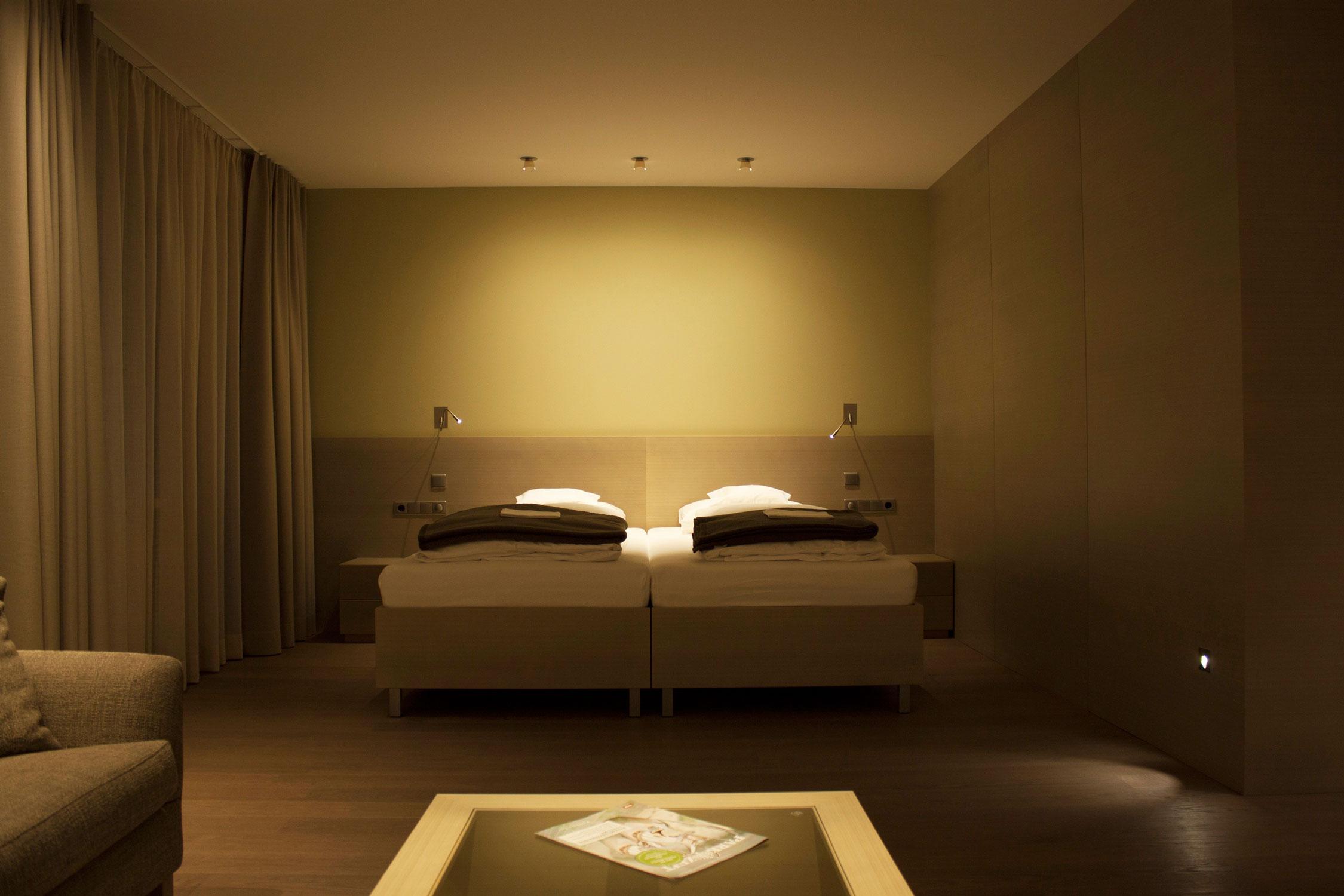 lichttherapie im parkhotel igls neues konzept f r. Black Bedroom Furniture Sets. Home Design Ideas