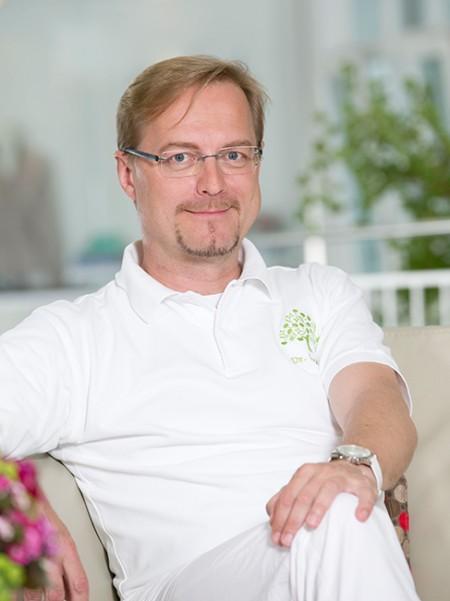 Dr. Peter Gartner