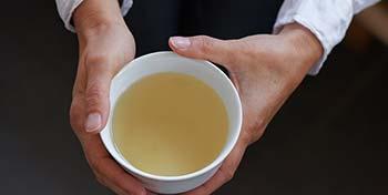 Tee Zubereitung Park igls Gesundheitszentrum Innbruck Tirol Moderne Mayr Cuisine Teezubereitung