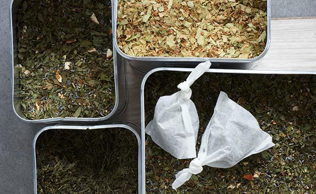 Tee Zubereitung Park Igls Gesundheitszentrum Innsbruck Tirol Moderne Mayr Cuisine Tasse Tee